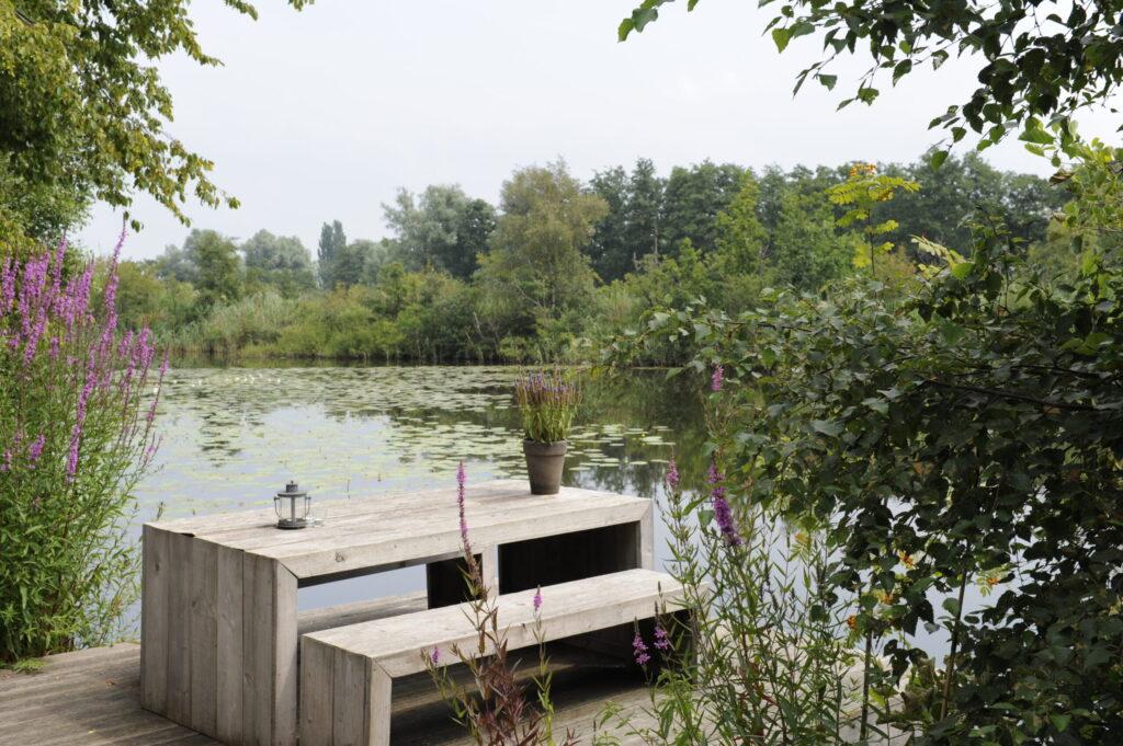 steiger vakantiehuisje aan water